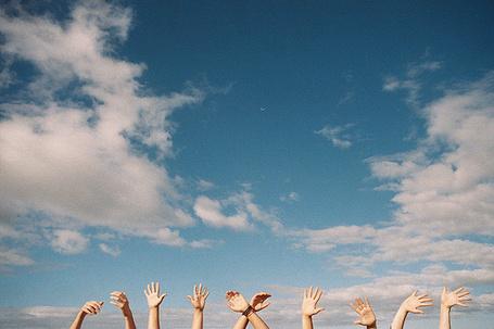 Фото Руки подняты к небу (© Штушка), добавлено: 20.03.2012 01:07