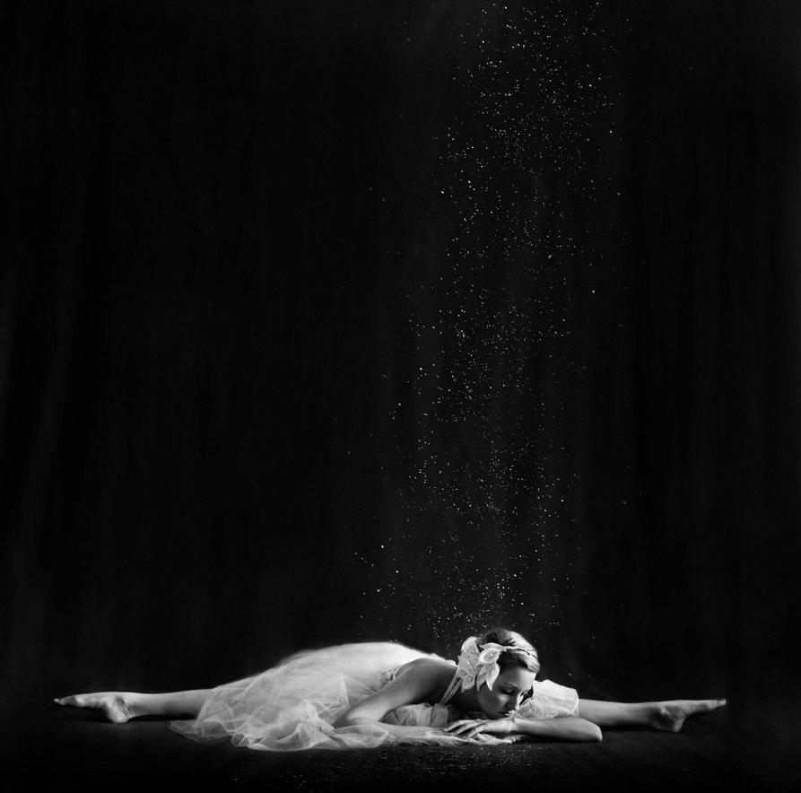 Фото Балерина на шпагате
