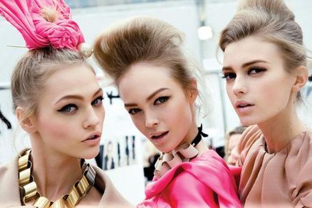 Фото Девушки с красивым макияжем (© Leeemon), добавлено: 04.04.2012 22:05
