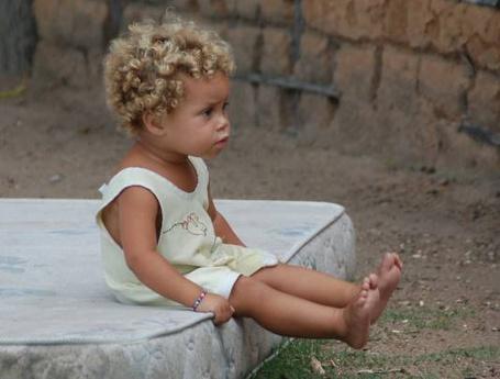 Фото Жизнь, как она есть. Брошенный ребенок (© Anatol), добавлено: 05.04.2012 14:31