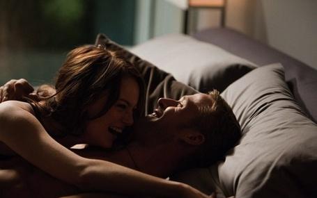 Фото Парень с девушкой в постели