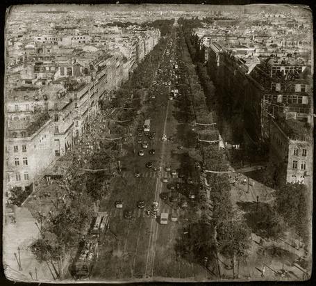 Фото Городские улицы в былые годы (© Malenkoe 4ydo), добавлено: 06.04.2012 14:52