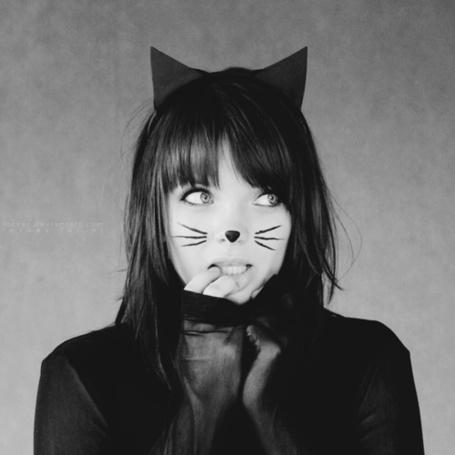 Фото Девушка-кошка (© StepUp), добавлено: 10.04.2012 13:58