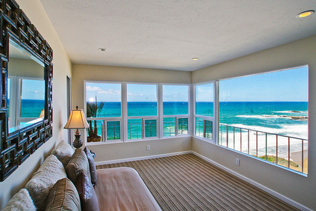 Фото Уютная терраса с видом на море (© StepUp), добавлено: 11.04.2012 18:13