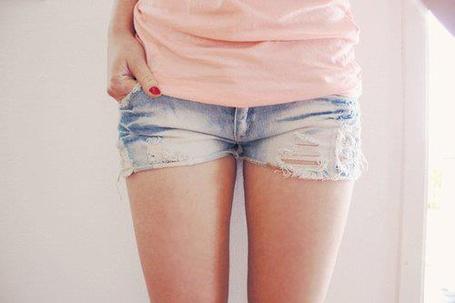 Фото Девушка в шортах (© Феминистка), добавлено: 15.04.2012 16:06