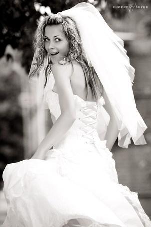 Фото Невеста одаривает всех счастливой улыбкой (Eugene Buzuk) (© Anatol), добавлено: 17.04.2012 15:42