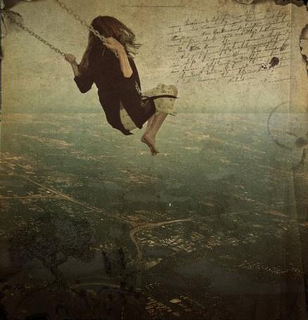 Фото Девушка катается на качелях  над городом (© ВалерияВалердинова), добавлено: 19.04.2012 18:47