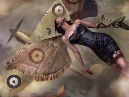 Фото Фея с крыльями бабочки помогает уничтожать вражеские самолёте