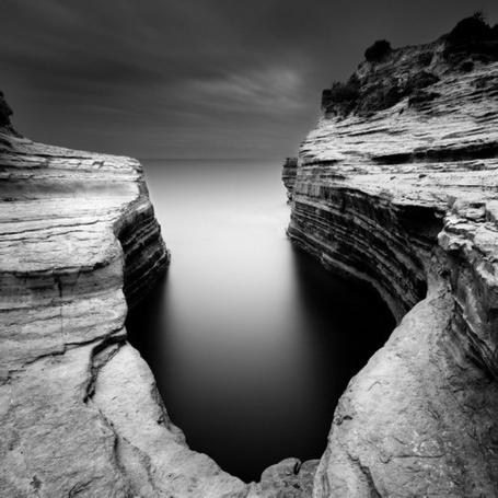 Фото Расщелина в море, фотограф - Michel Rajkovic (© Malenkoe 4ydo), добавлено: 23.04.2012 07:53