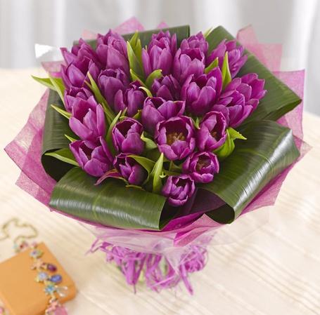 Фото Букет фиолетовых тюльпанов (© Mary), добавлено: 24.04.2012 21:31
