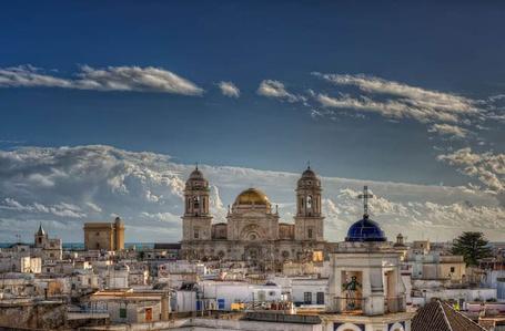Фото Испания. Вид на собор Кадис (© АмстерDaмочka), добавлено: 26.04.2012 22:37
