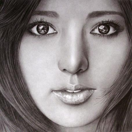 Фото Портрет симпатичной девушки, карандашный портрет, художник Klsadako