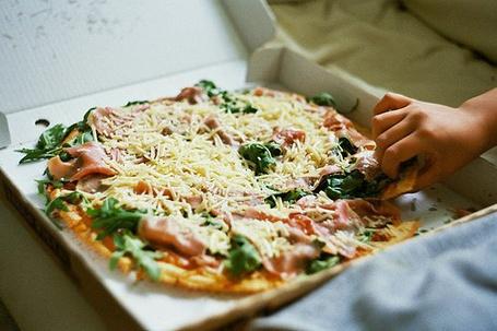 Фото Пицца в коробке (© Mary), добавлено: 07.05.2012 13:37