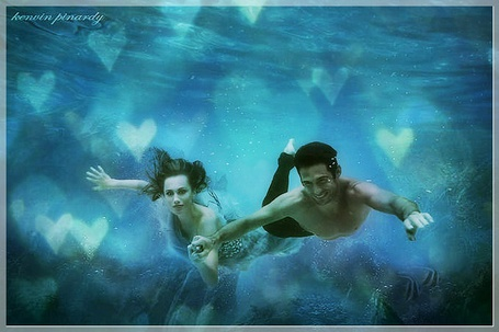 Фото Влюблённые под водой (Kenvin Pinardy) (© Флориссия), добавлено: 17.05.2012 12:37