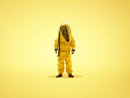 Фото Человек в желтом защитном костюме под номером 109, фотограф Nick Meek (© Radieschen), добавлено: 26.05.2012 15:47