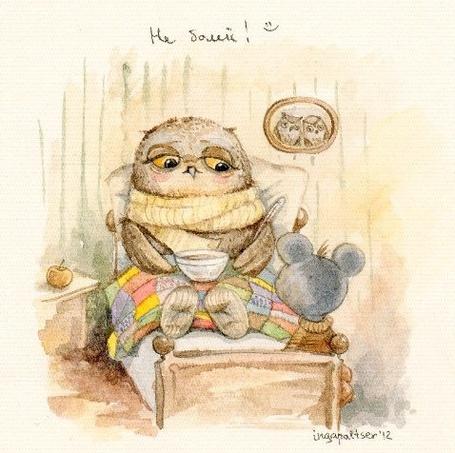 Фото Сова заболела, лежит в кроватке и пьет чай, её решила проведать мышка (Иллюстратор Инга Пальцер / Inga Paltser)