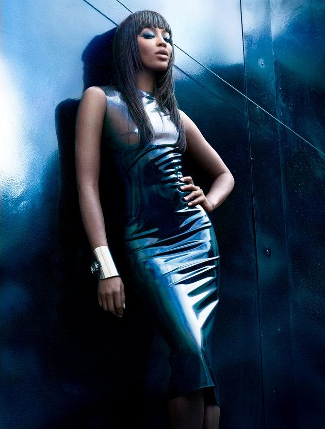 Фото Британская супермодель Наоми Кэмпбелл / Naomi Campbell в полупрозрачном облегающем наряде, известные фотографы Markus Klinko & Indrani