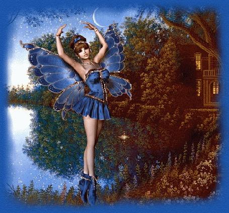Фото Лесная фея исполняет свой вечерний танец  возле пруда