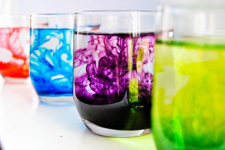 Фото Стаканы с красителями цветными (© Antuannet), добавлено: 05.06.2012 03:57