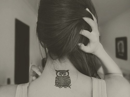 Фото Татуировка в виде совы на спине у девушки (© bad luck), добавлено: 09.06.2012 04:46