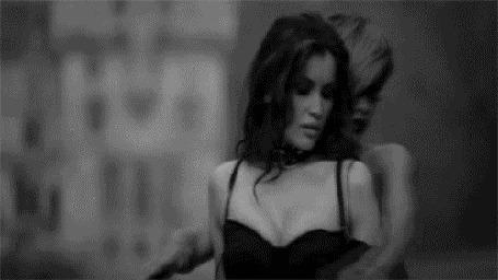 Фото Кадр из клипа Рианны / Rihanna 'Te amo'