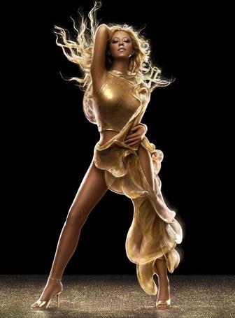 Фото Американская поп певица Мэрайя Кэри / Mariah Carey в красивом золотом платье, известные фотографы Markus Klinko & Indrani