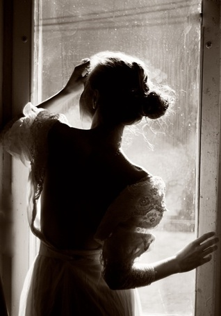 Фото Девушка у окна (© Mary), добавлено: 26.06.2012 20:56
