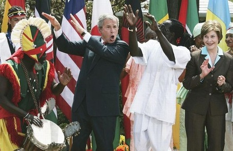 Фото Танцующий Джордж Буш