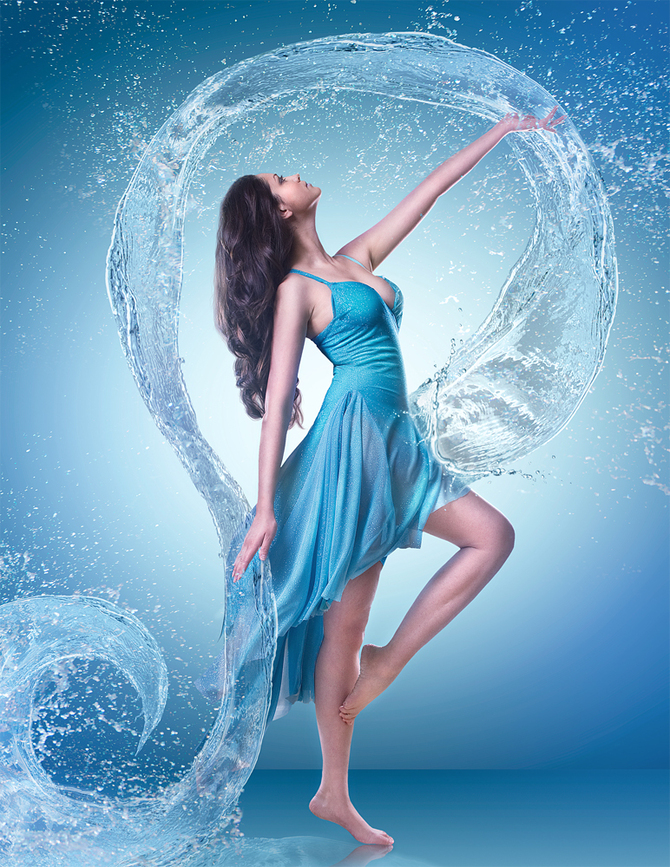 Фото девушки в голубом платье