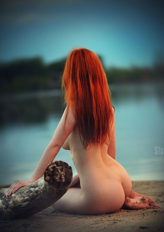 голые девушки на песке: