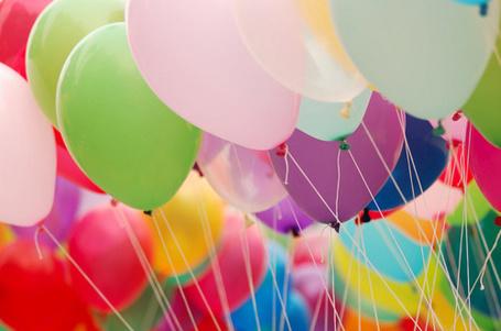 Фото Много воздушных шариков (© Malino4ka), добавлено: 08.07.2012 17:20