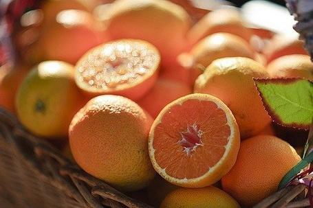 Фото Апельсины лежащие в корзине (© Sveta_Sherer), добавлено: 11.07.2012 22:07