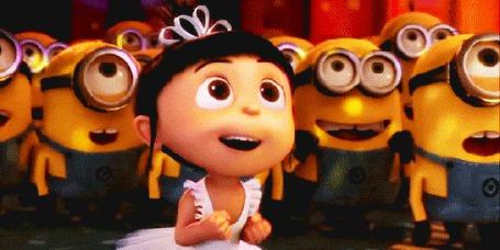 Фото Девочка танцует в кругу бананов, мультфильм ' Гадкий я / Despicable Me '