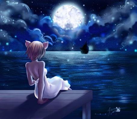 Фото Neko-girl / неко-девушка в белом платье лунной ночью сидит на пирсе и смотрит вдаль на горизонт, где чернеет силуэт корабля