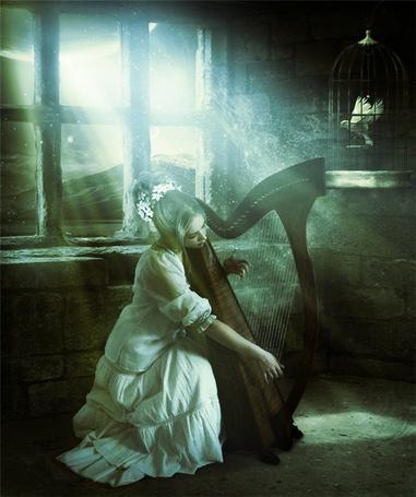 Фото Девушка играет на арфе сидя у окна (© Флориссия), добавлено: 30.07.2012 16:57