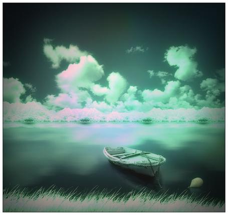 Фото Лодка стоит у берега реки (© Флориссия), добавлено: 19.08.2012 10:42