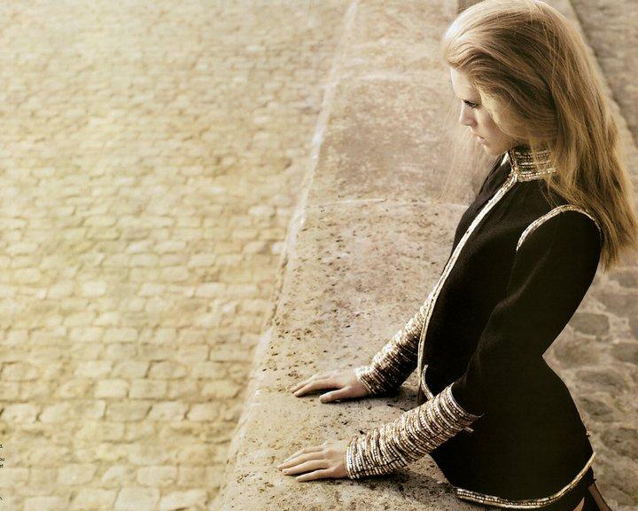 Признаки симпатии, или как понять чувства девушки