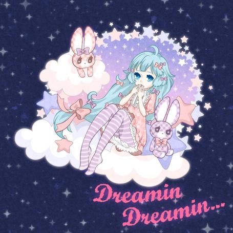 Фото Маленькая вокалоид Хатсуне Мику / vocaloid Hatsune Miku с множеством бантиков в волосах, с игрушечными кроликами сидит на облаках среди звёзд (Dreamin Dreamin...)