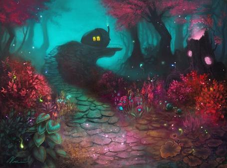 Фото Домик в форме жёлудя в сказочном лесу