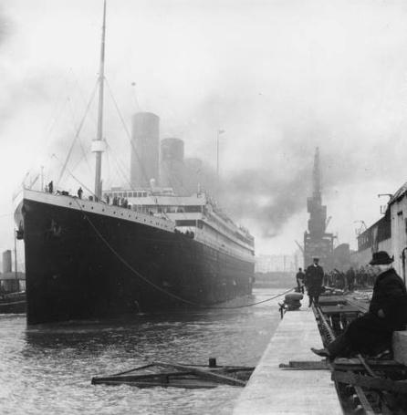 Фото Титаник в доке