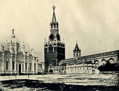 Фото Москва, Вознесенский Монастырь и Спасские ворота, 1896 год