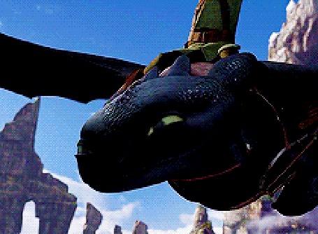 Фото Иккинг летит на драконе Беззубике над морем - мультфильм Как приручить дракона / How to Train Your Dragon