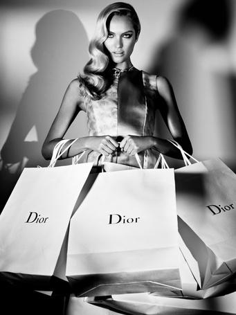 ���� ��������������� ������ ������ �������� / Candice Swanepoel ������ ��� ����� ������ � ��������� Dior � ���������� ������ ���������� / Alexi Lubomirski ��� ������� Numero Tokyo, �������� 2012 ��� (� Morena), ���������: 19.10.2012 13:41