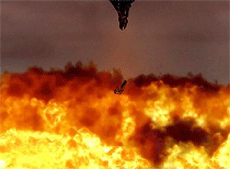 Фото Дракон Беззубик пытается спасти падающего Иккинга, мультфильм Как приручить дракона / How to Train Your Dragon