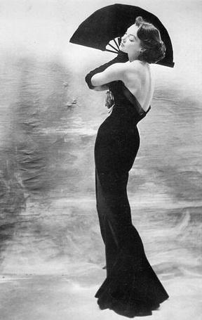 Фото Девушка с веером. Фотограф Henry Clarke
