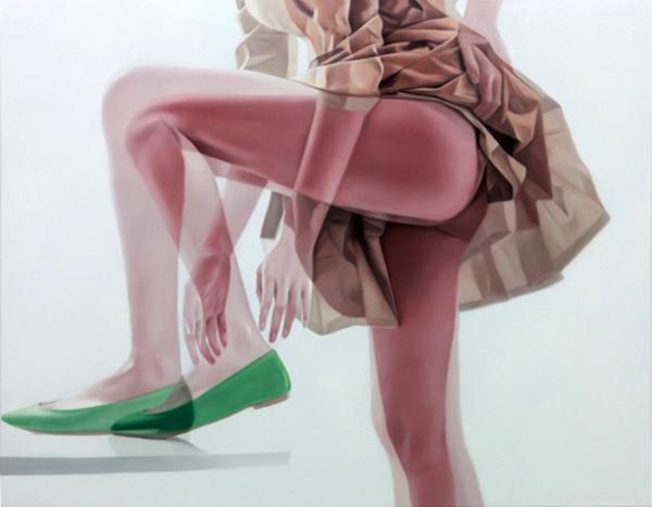 Фото Девушка одевает зеленые балетки, у нее задралась юбка, корейский художник Ho-Ryon Lee