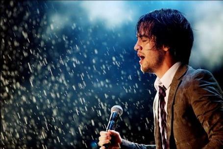 Фото Солист группы Panic! At The Disco Брендон Ури / Lead singer of Panic! At The Disco Brendon Urie (© ), добавлено: 09.11.2012 09:59