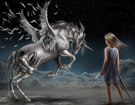 Фото Девочка стоит перед крылатым единорогом, круп которого - скелет, автор Annah Hutchings 'Phantoms walk at noon' / 'Призраки гуляют в полдень'