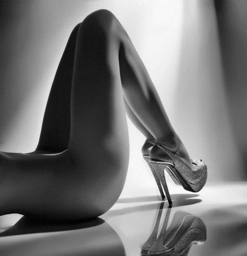 erotika-krasivie-nogi-v-bosonozhkah
