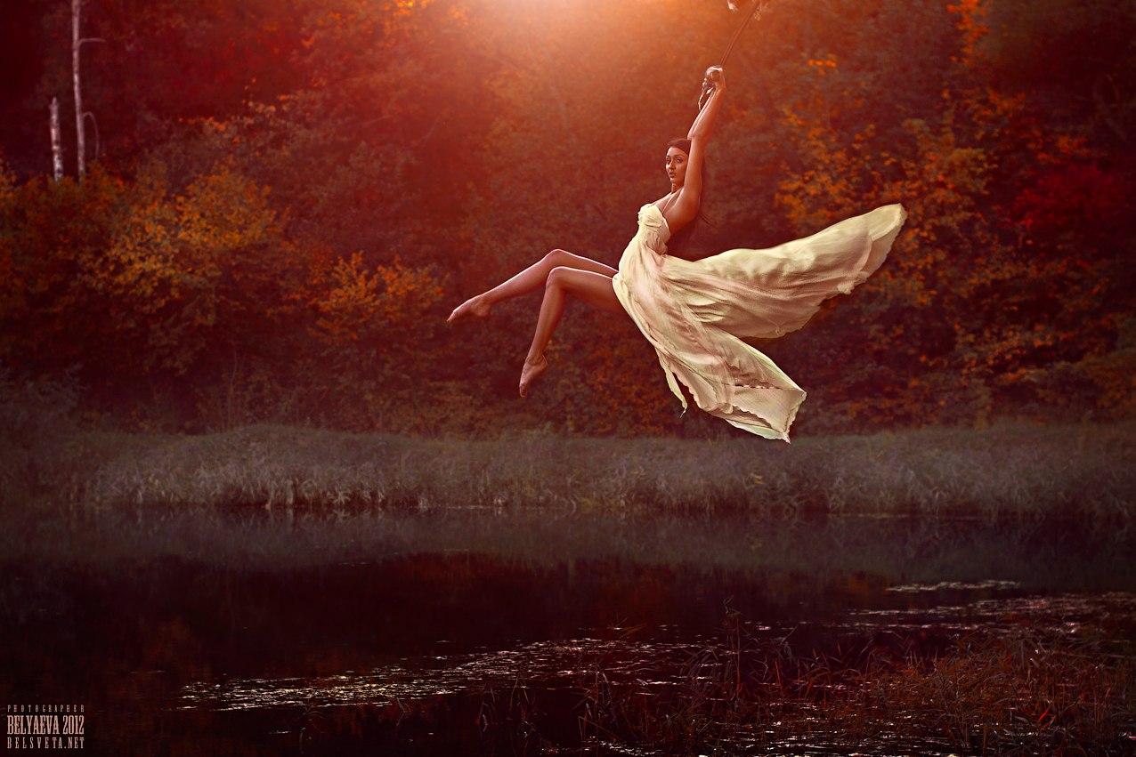 Фото летящая девушка